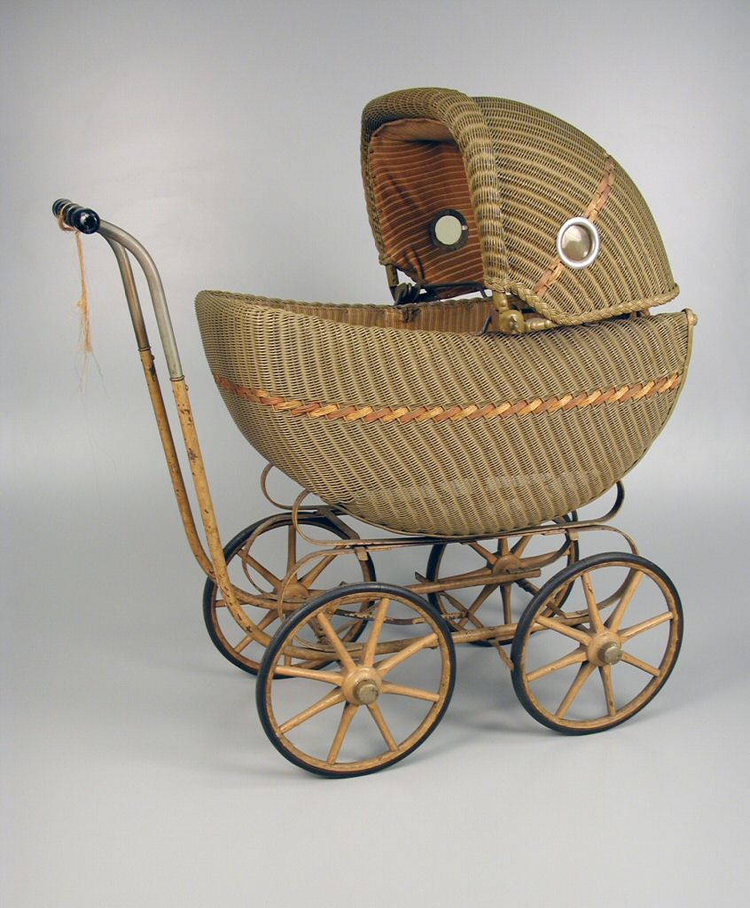 Wicker Doll Carriage Ca 1930s